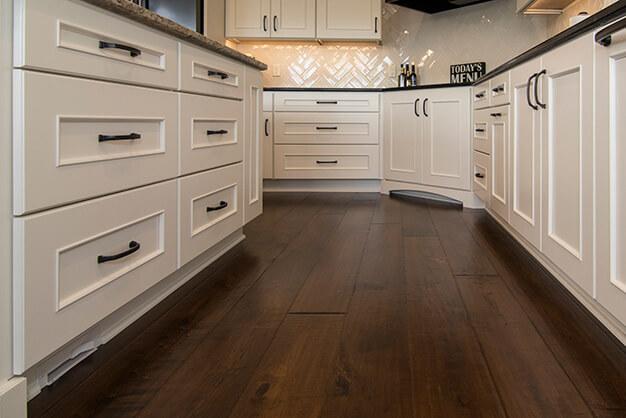 dark-hardwood-floors-plymouth-cabinetry-design-wisconsin-mcevoy-7287