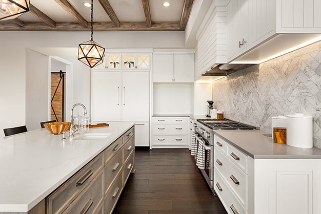 white-kitchen-cabinets-plymouth-cabinetry-design-wisconsin